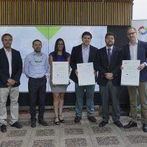 Entregan primeros certificados de validación de emisiones de GEI para empresas que usan electromovilidad