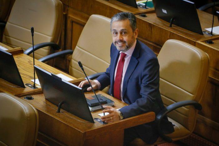 Diputado RN hijo del polémico obispo Durán anuncia que votará No en el plebiscito constituyente