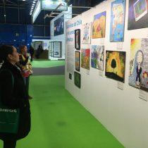 Dibujos de niños chilenos son exhibidos en la COP25