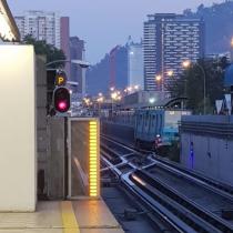Metro suspende parcialmente servicio en Línea 5 por descarrilamiento de un tren