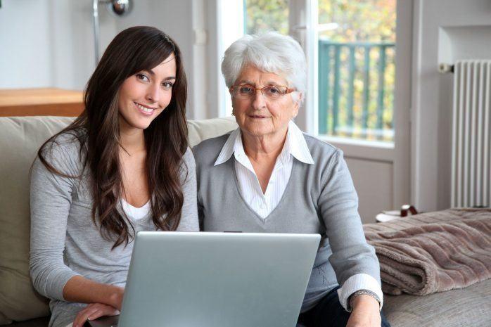 Una de cada 10 personas mayores admite no saber utilizar sus regalos tecnológicos