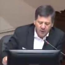 """""""¿DD.HH. para quién, para los niños delincuentes?"""": la polémica intervención del senador RN Juan Castro en la acusación constitucional contra Chadwick"""