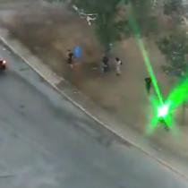 Carabineros detuvo a sujeto que apuntó con láser a un dron institucional en Plaza Italia