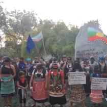 """Mujeres mapuche entonan """"Un violador en tu camino"""" en mapudungún"""