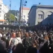 Miles de mujeres se agrupan en pleno centro de Concepción para una nueva intervención de LasTesis