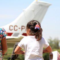 """Niños del Sename cumplieron su sueño """"navideño"""" de volar en avión"""