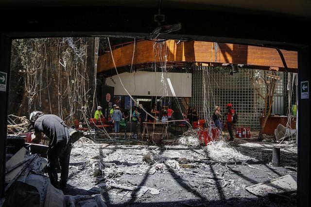 """Lamento y condena unánime del mundo de la cultura por destrucción del Centro de Arte Alameda: """"Está al nivel de atacar un hospital"""""""