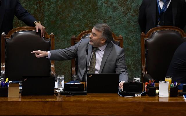 """""""Orgulloso"""": Pepe Auth justifica su polémico voto en la acusación constitucional contra Piñera"""