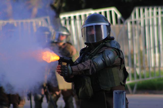 La Moneda sigue bajo la sombra de los abusos policiales: emplazan a ministro Blumel por joven herida en Plaza Italia y en riesgo vital