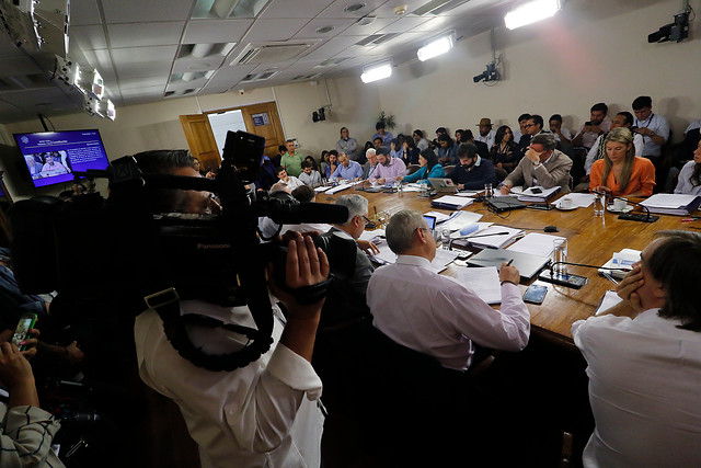 Humo blanco en sesión clave en el Congreso: aprueban proyecto que habilita el proceso constituyente