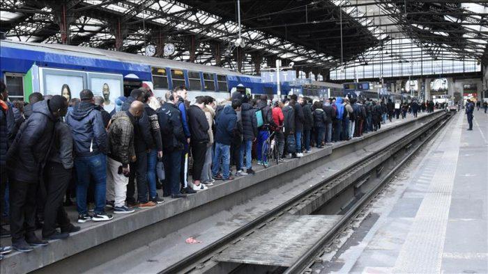 Jornada negra del transporte francés en la víspera de una nueva movilización