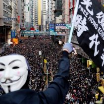 Manifestantes en Hong Kong dan