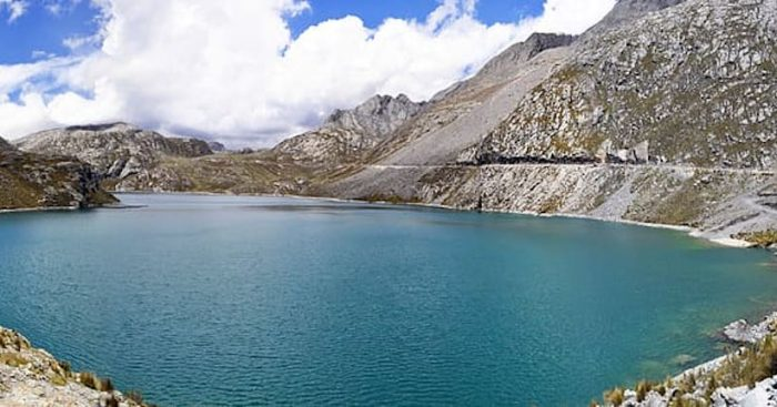 Perú busca reactivar el turismo y el comercio pese a alta tasa de contagios