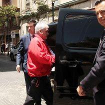 Incendios en Valparaíso: Piñera visita la ciudad y promete cena de Navidad para afectados