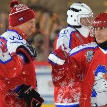 Triunfo navideño: Vladímir Putin participó en partido de hockey sobre hielo