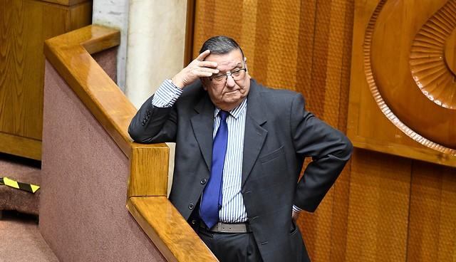 """Senador Quinteros por caso de colusión en mercado salmonero: """"Los empresarios no han aprendido la lección y siguen abusando"""""""
