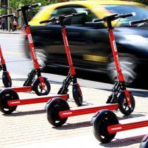 España regula velocidad de los scooters eléctricos: 25 km/h como máximo