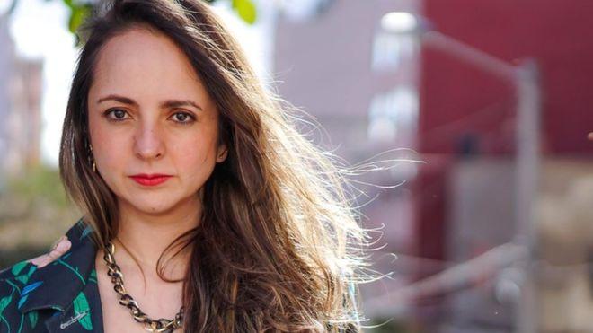 """""""¿Qué sería el feminismo si no fuera radical: abortar pero poquito?"""": Gloria Esquivel, conductora del podcast """"Womansplaining"""""""
