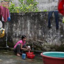 Oxfam: mujeres trabajan gratis mientras multimillonarios acumulan riqueza