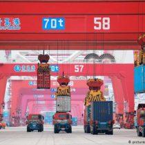 China confirma que firmará acuerdo comercial parcial con EE.UU. la próxima semana