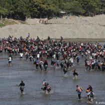 Guardia nacional mexicana repele a miles de migrantes centroamericanos que intentaron cruzar la frontera a través de un río