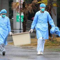 Autoridades chinas confirman seis muertos por el nuevo coronavirus y advierten que se puede contagiar entre humanos