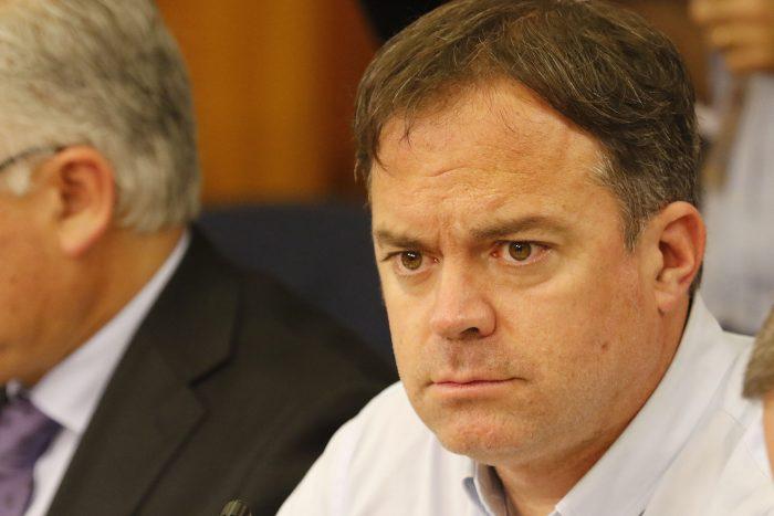 Matías Walker acusa al Presidente Piñera de