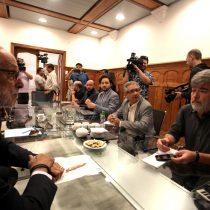 Ola de violencia en Pudahuel Sur enfrenta al alcalde Johnny Carrasco con el general Rozas de Carabineros