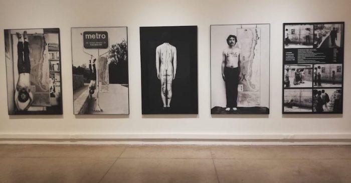 Con más de 40 obras de su acervo presentan exhibición que refleja distintas tensiones sociales históricas de Chile