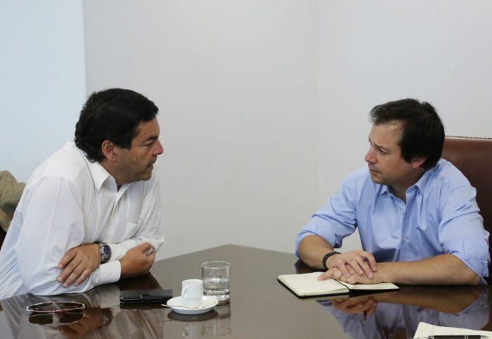 Diputado Fuenzalida (UDI) hizo propuesta al ministro de Economía para ayudar a personas cesantes o endeudadas