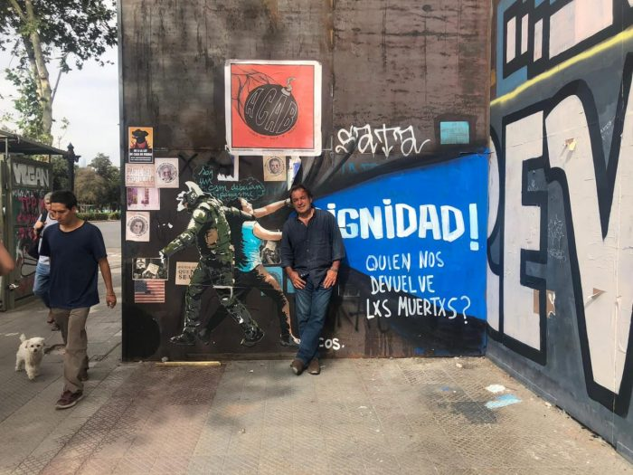 """Artista Fernando Feuereisen: """"lo más interesante está hoy en la calle, a lo largo de la Alameda, desde Salvador hasta Santa Rosa hay una intervención visual tremenda"""""""