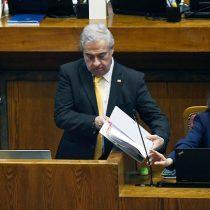 Las duras jornadas del ministro Mañalich en su relación con el Congreso
