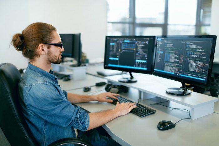 Programador: la carrera del futuro que se abre paso en el 2021