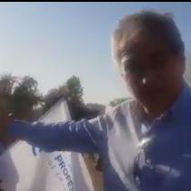 En plena manifestación: Mario Aguilar denuncia que Carabineros lanza agua con fuertes componentes químicos en Plaza Italia