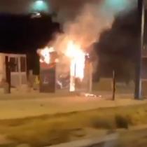 Nuevos ataques incendiarios a casetas de peajes de Quilpué y Puente Alto