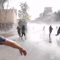 A tres meses del estallido social: manifestantes protestan en Plaza Italia y se registran nuevos enfrentamientos con Carabineros