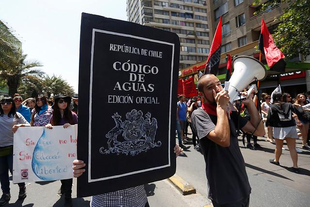 #CuidemosElAgua: fustigan la campaña del Gobierno por eludir el problema de fondo de los derechos de agua