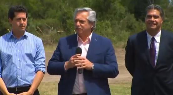 Alberto Fernández adopta lenguaje inclusivo en concurrida actividad de gobierno