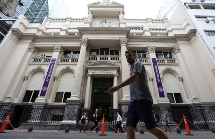 """Respiro en Argentina: Banco Central espera caída """"significativa"""" de la inflación"""