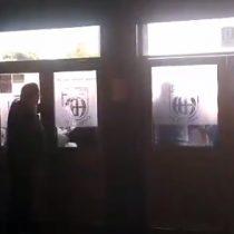 """Boicot"" PSU: apoderados realizaron cadena humana para impedir toma de colegio en Chiguayante"