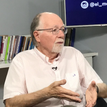 """Renato Cristi y la Constitución del 80: """"Jaime Guzmán despoja al pueblo de su poder constituyente y se lo entrega a Pinochet"""""""
