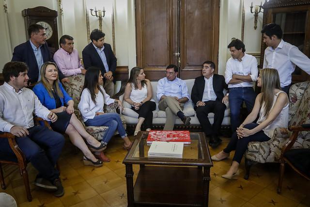 """RN no abandona a Guevara y Desbordes acusa a la oposición de apoyar """"al violentista que está tirando la molotov"""""""