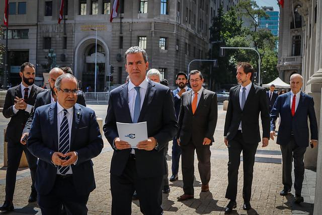 """Harboe se adelanta a la propuesta de La Moneda y pone sobre la mesa una """"reforma estructural y de largo aliento"""" a Carabineros"""