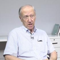 """Carlos Huneeus: """"El problema no es el presidencialismo, es el Gobierno y el Presidente Piñera"""""""