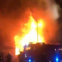 16 personas terminan damnificadas tras gran incendio en Ñuñoa