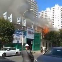 Incendio afectó a cuatro inmuebles en el centro de Viña del Mar