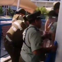 Se registran incidentes al interior de colegio de rendición de PSU en Las Condes y alcalde Lavín confirmó suspensión de prueba