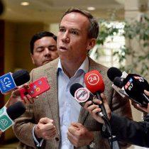 Diputado Alessandri pide al Gobierno que los extranjeros puedan votar en el plebiscito de abril