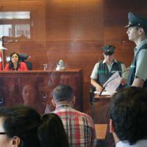 """La jueza de la discordia: magistrados critican """"prejuicios"""" de Acevedo en caso de barrista y el INDH anuncia queja disciplinaria"""