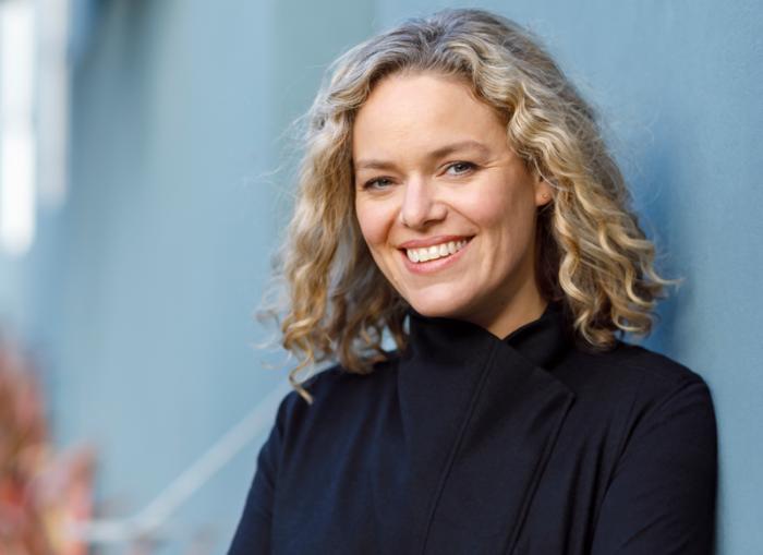 """Directora de Wikipedia, Katherine Maher: """"Nuestro desafío es hacer tecnología al servicio de la humanidad"""""""